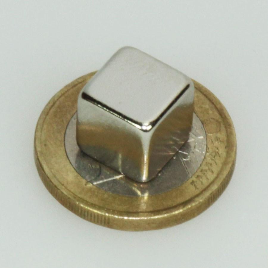 5113-2 cuivre Cube 6 mm plaqué or brossé précisément percés