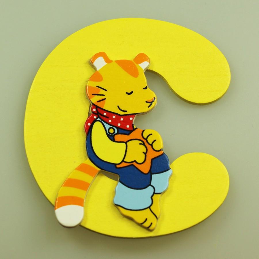 Lettre décorative en bois C - chat Goki