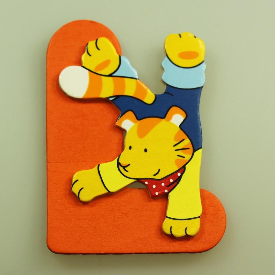 Lettre décorative en bois L - chat Goki on