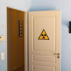 panneau de signalisation danger radioactif. Black Bedroom Furniture Sets. Home Design Ideas