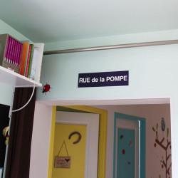panneaux de signalisation d co humoristiques d tourn s. Black Bedroom Furniture Sets. Home Design Ideas