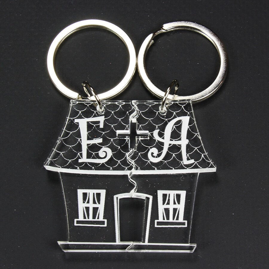 Porte clé couple à personnaliser, gravé - maison coupée en 2 2e214d880af